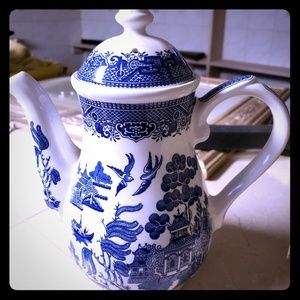 Willow Ware Staffordshire Tea Pot Made In England